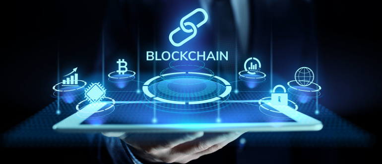 Public versus private blockchain